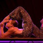 cirque-artiste-contortionniste-spectacle-entreprise